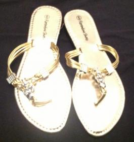 Ladies sandals size 6
